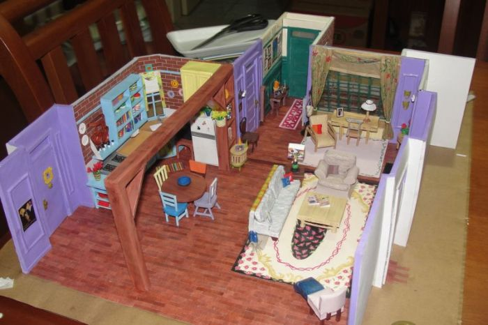 Paper Version of the Friends Apartment (11 pics)