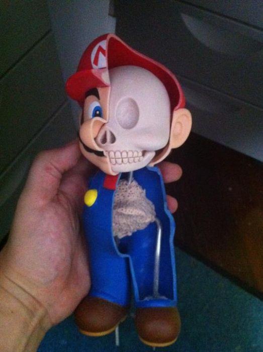 Dissected Mario (29 pics)