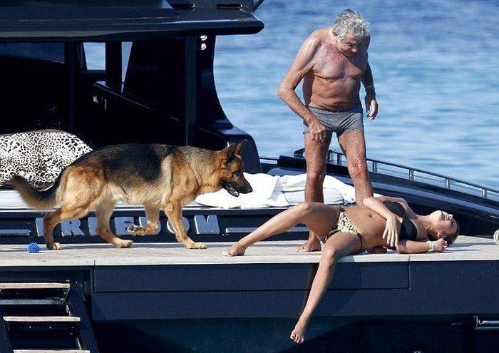 Roberto Cavalli and His Girlfriend (10 pics)