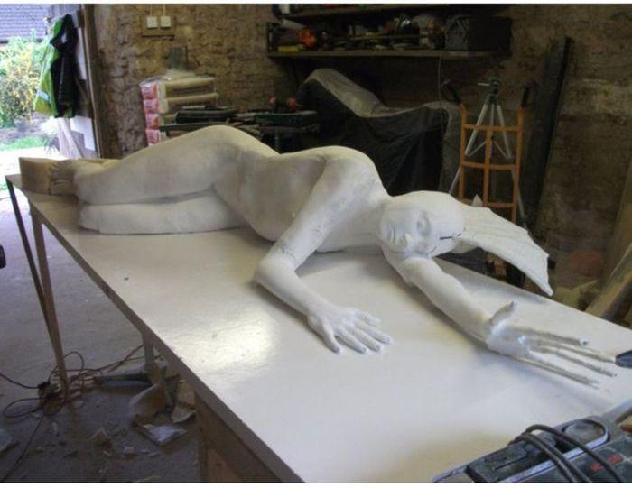How to Make a Mermaid Sculpture (11 pics)