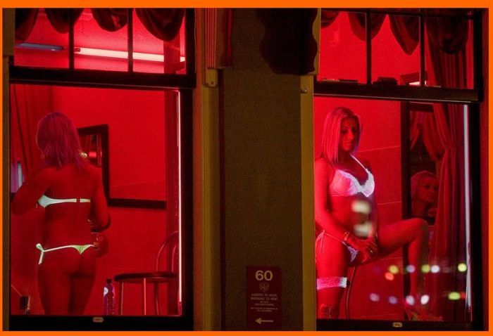 Photos of Red Light District, Amsterdam (11 pics)
