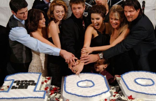 100th Episode TV Series Cakes (36 pics)