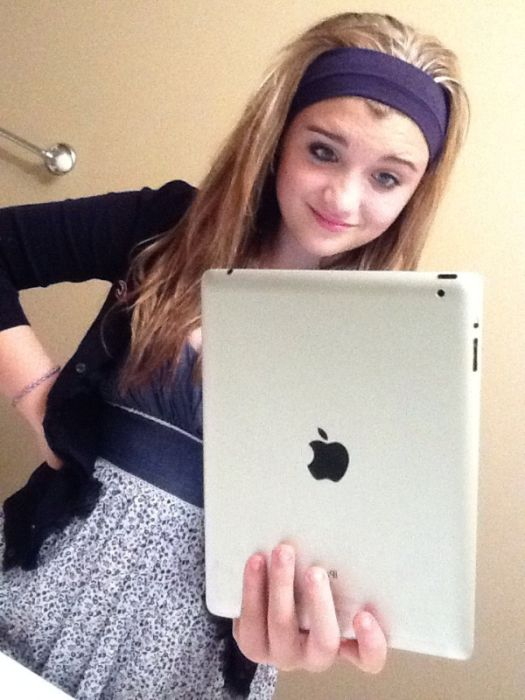 People Taking Pictures With Ipads (41 pics)