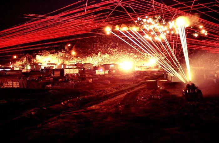 Incredible Night Photos of Vietnam War (7 pics)