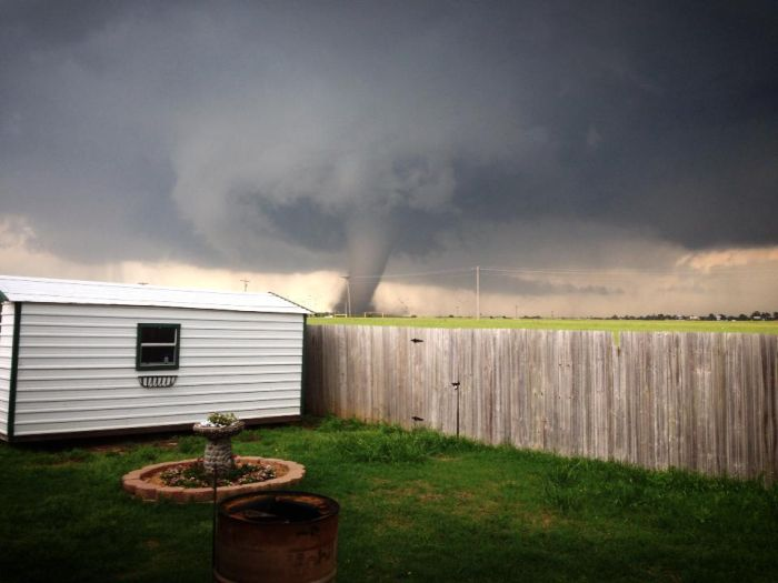 The Best Tornado Photos of 2013 (15 pics)
