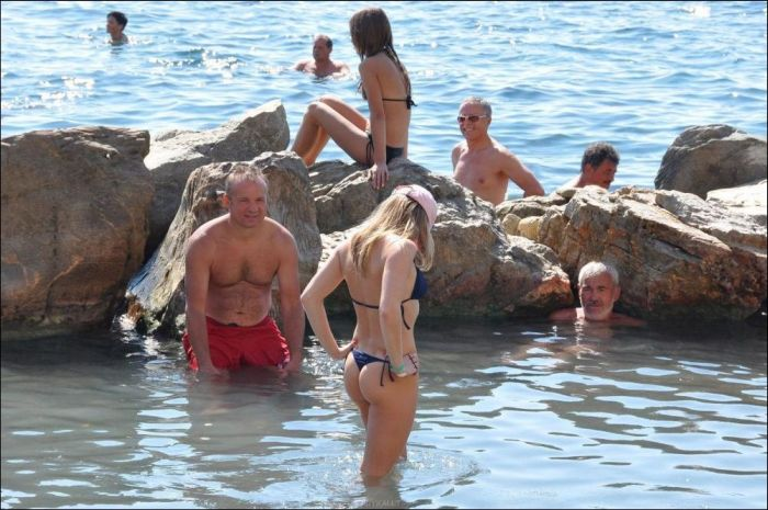 And Funny Beach Moments Pics - 42 awkward moments ever