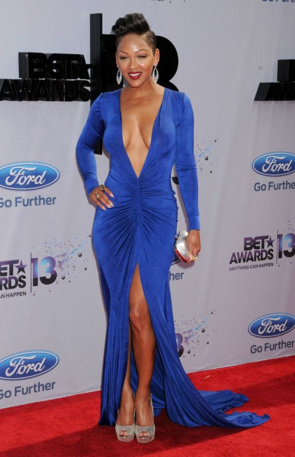 Meagan Good Has a Pretty Dress (13 pics)