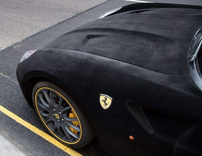 Velvet Ferrari (11 pics)