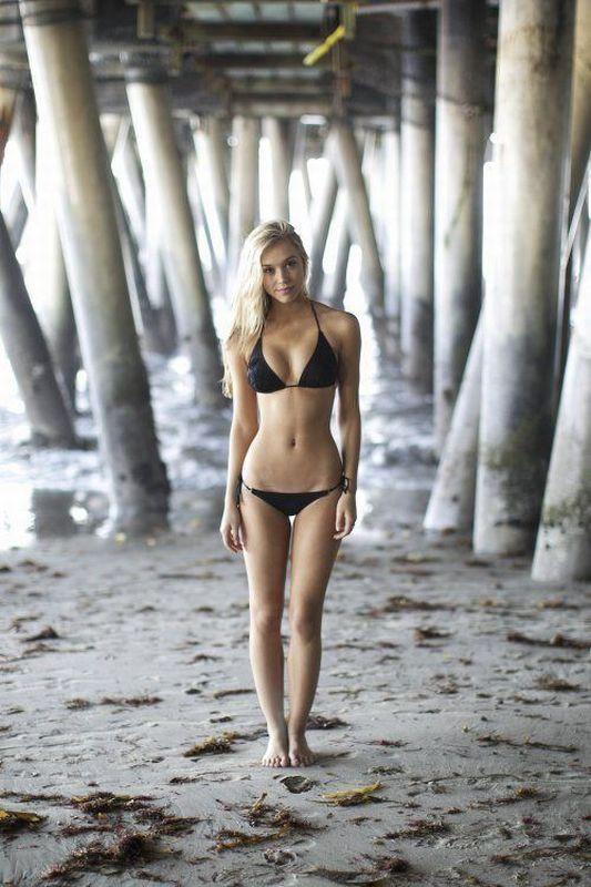 Pretty Girls in Bikini (50 pics)