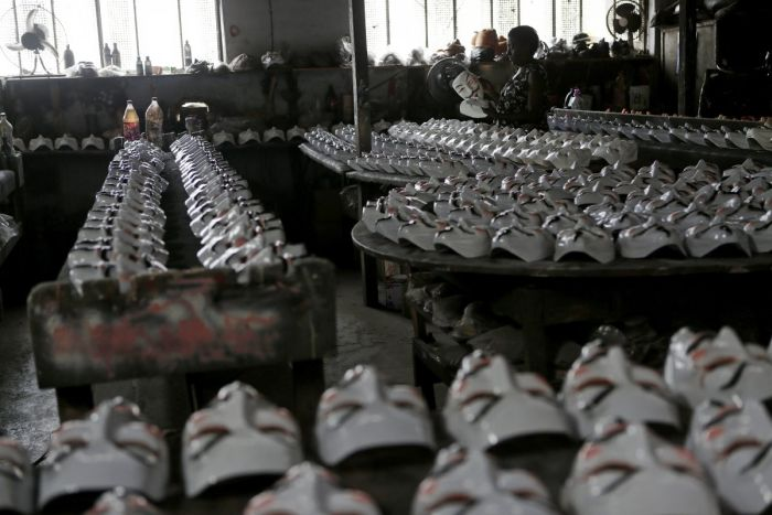 Production of the Iconic Guy Fawkes Masks (11 pics)