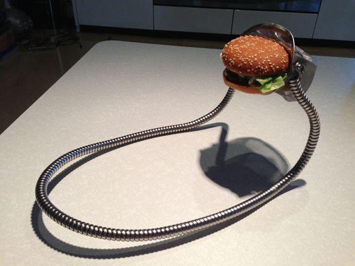 Hands-Free Burger Holder (16 pics)