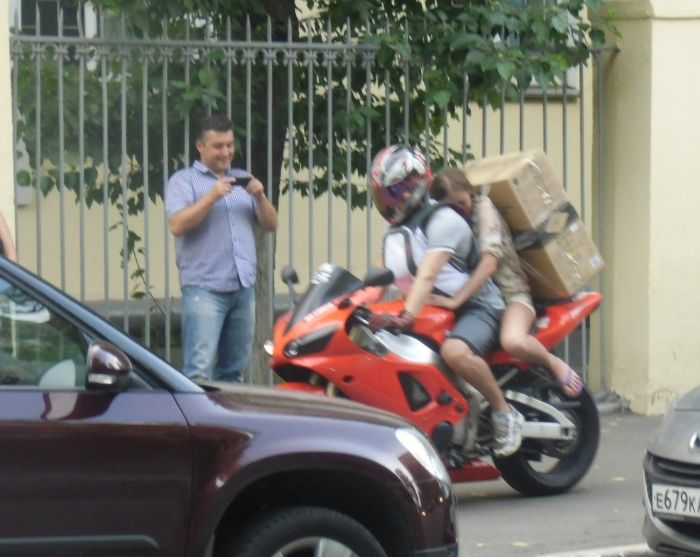 How to Transport Something Big on a Sport Bike (12 pics)