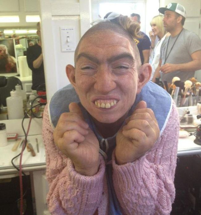 Pepper vs Naomi Grossman (5 pics)