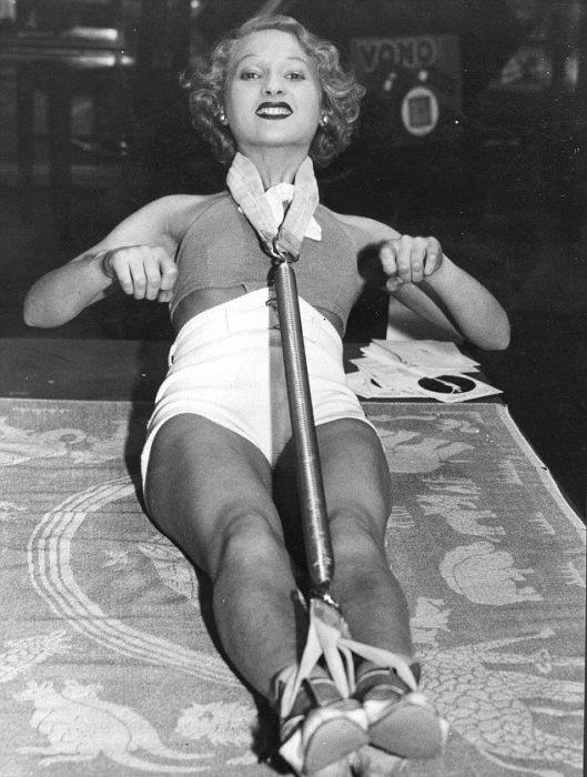 Beauty Treatments a Century Ago (11 pics)