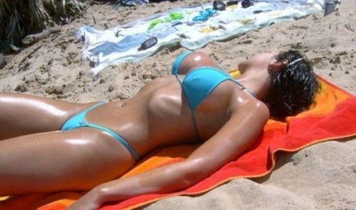 Sexy Girls in Bikini (40 pics)