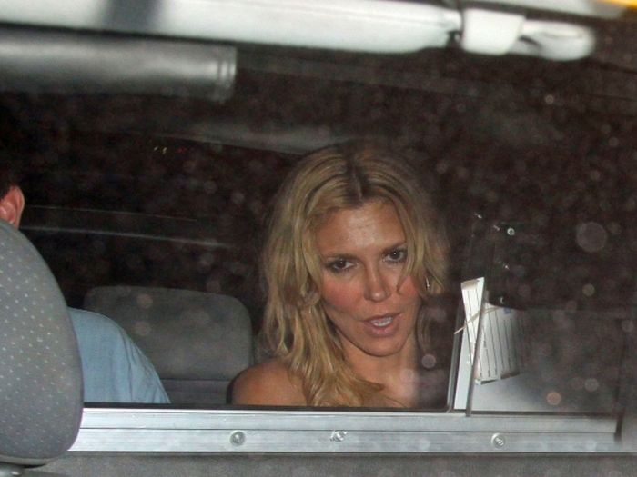 Drunk Brandi Glanville Flashed Her Butt (27 pics)