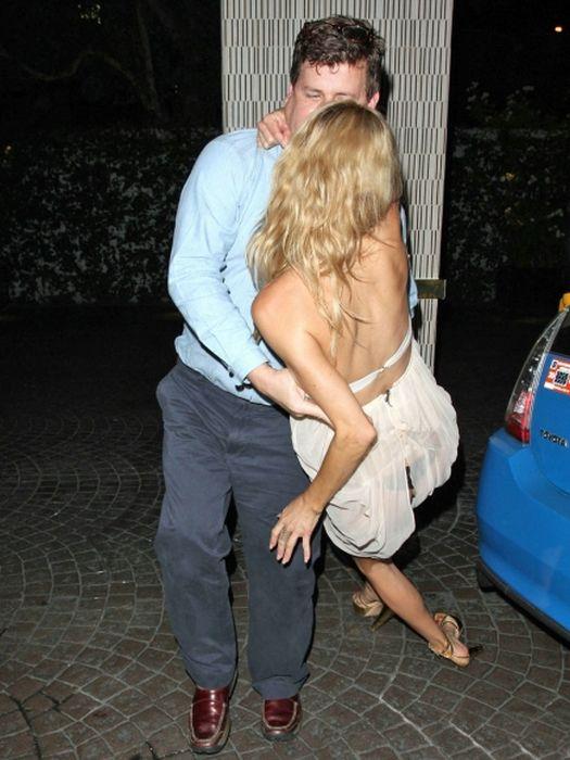 Drunk Brandi Glanville Flashed Her Butt (27 pics)