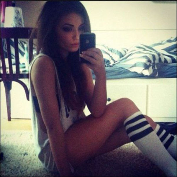Cute Girls in High Socks (63 pics)