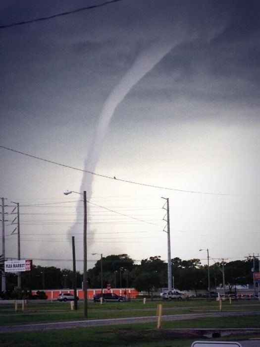 Florida Waterspout (12 pics + video)