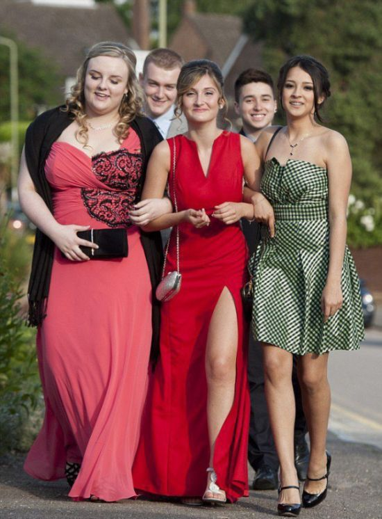 Dream of High School Prom Comes True (6 pics)