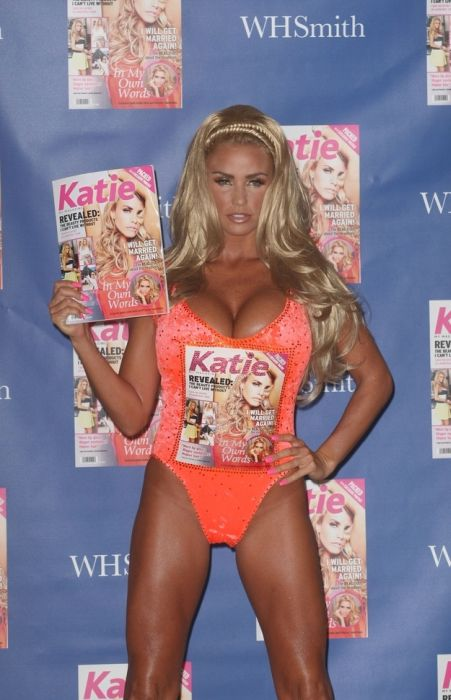 Katie Price. Dressed to Kill (40 pics)