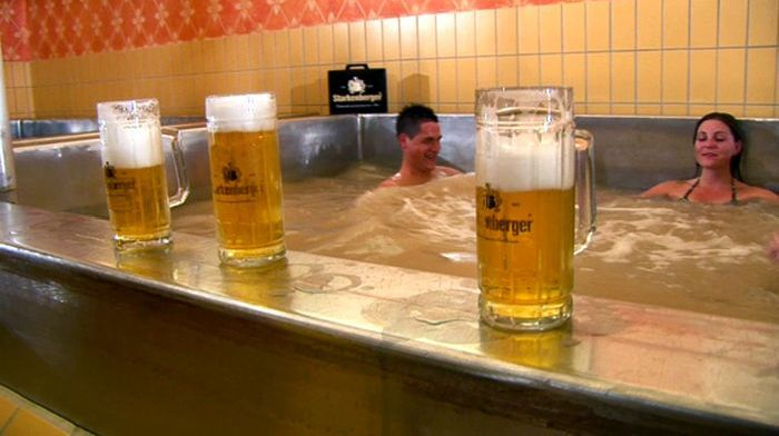 Starkenberger Beer Resort (8 pics)