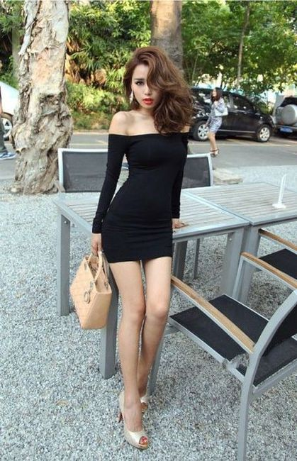 Pretty Girls in Tight Dresses. Part 10 (59 pics)