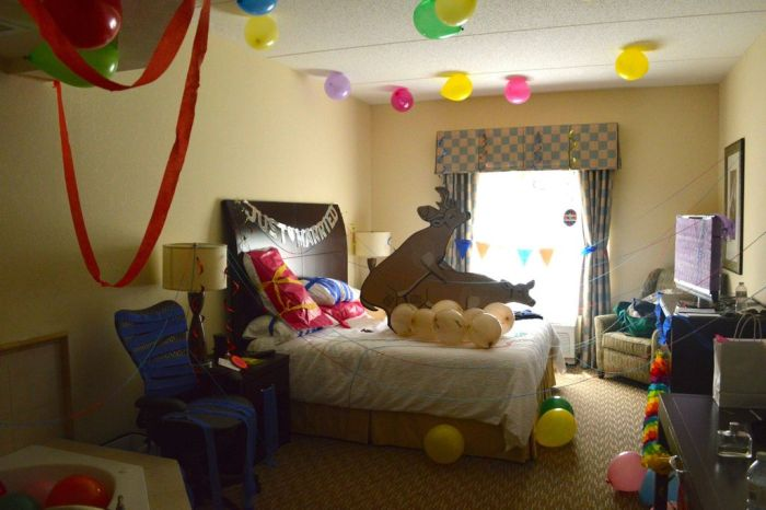 Crashing Groom's Room (7 pics)