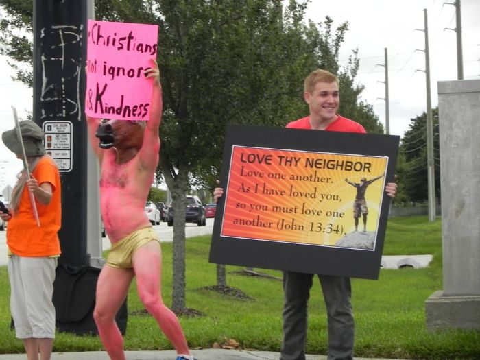 People Trolling the Westboro Baptist Church (23 pics)