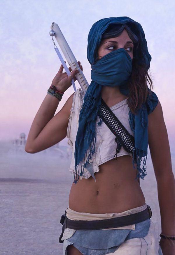 Pretty Girls of Burning Man (25 pics)