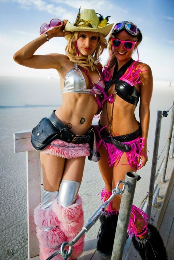 Pretty Girls Of Burning Man 25 Pics-3903