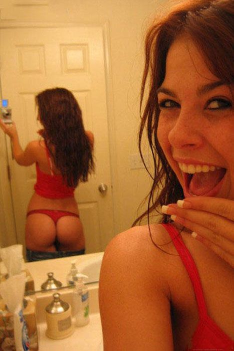 Girls Look Great From Behind (68 pics)
