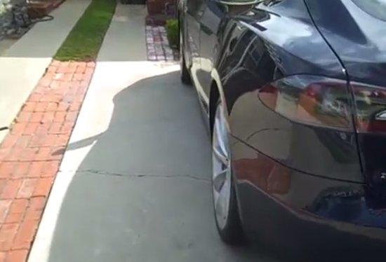 Tesla Model S Automatic Door Handles