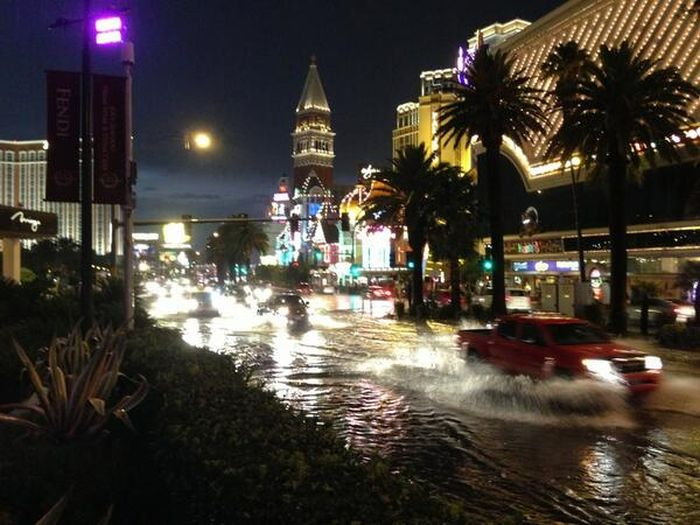 When Las Vegas Floods (19 pics)