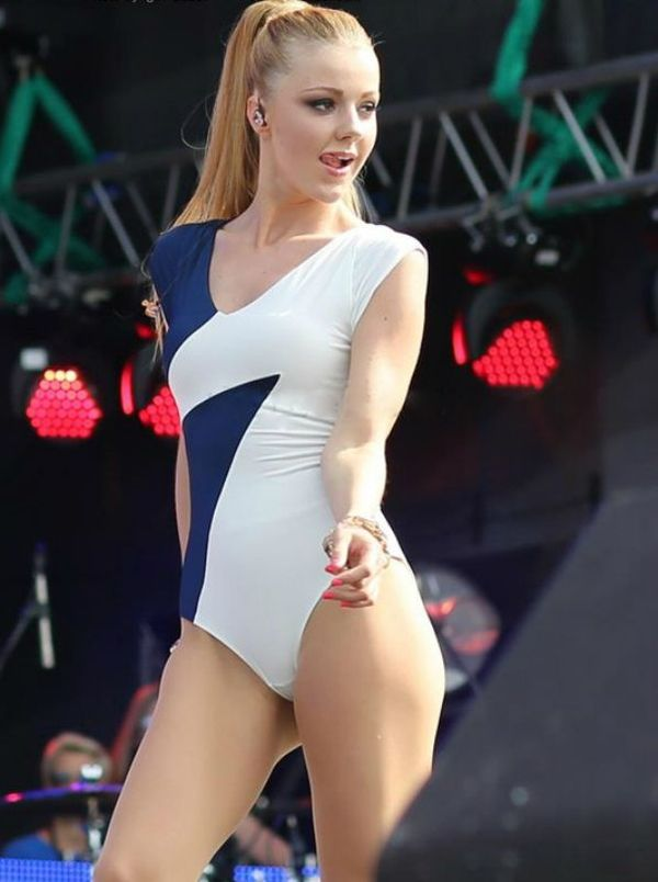 Russian Pop Singers (17 pics)