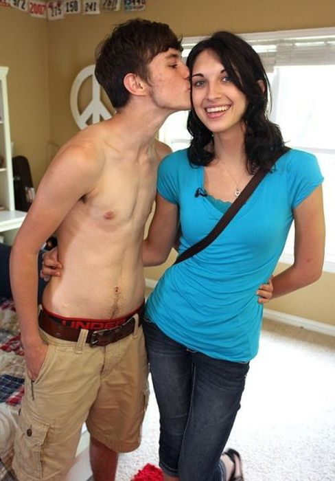 Two Teenagers in Love (12 pics)