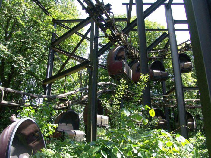 Spreepark, Abandoned German Amusement Park (23 pics)