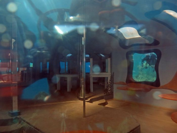 Abandoned Underwater Strip Club (12 pics)