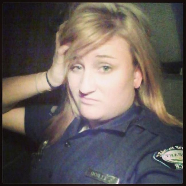 Female Cops (13 pics)