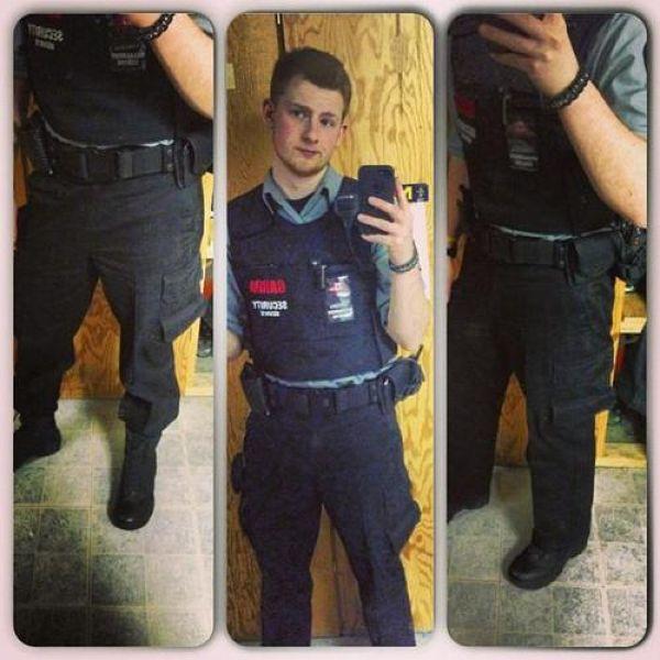 Cop Selfies (22 pics)