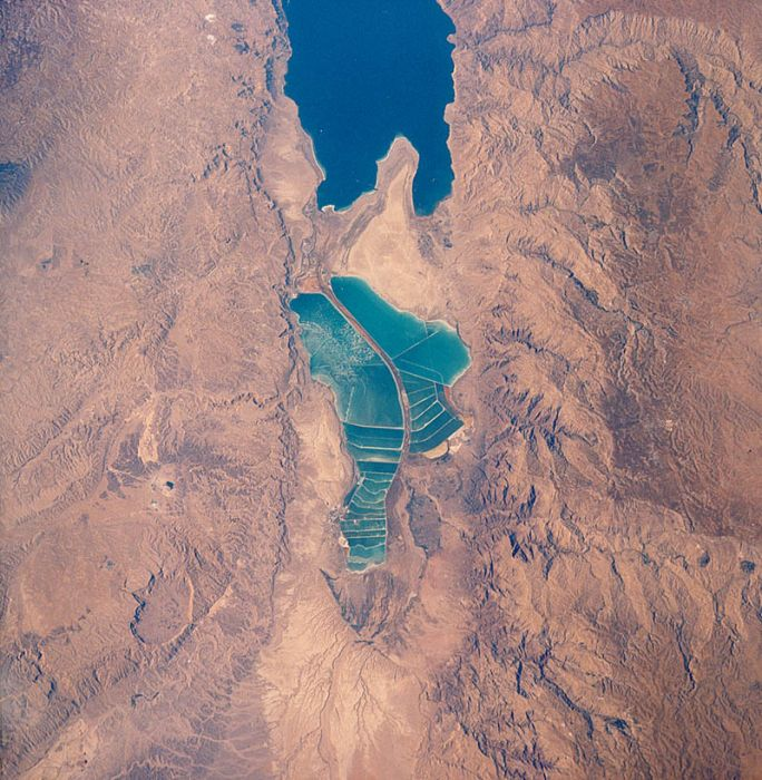 Interesting Facts about the Dead Sea (10 pics)