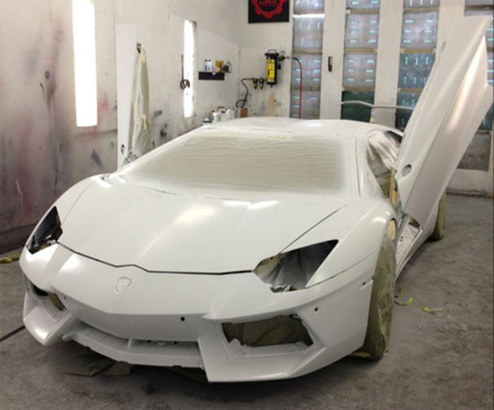 Chris Brown's Lamborghini Aventador (5 pics)