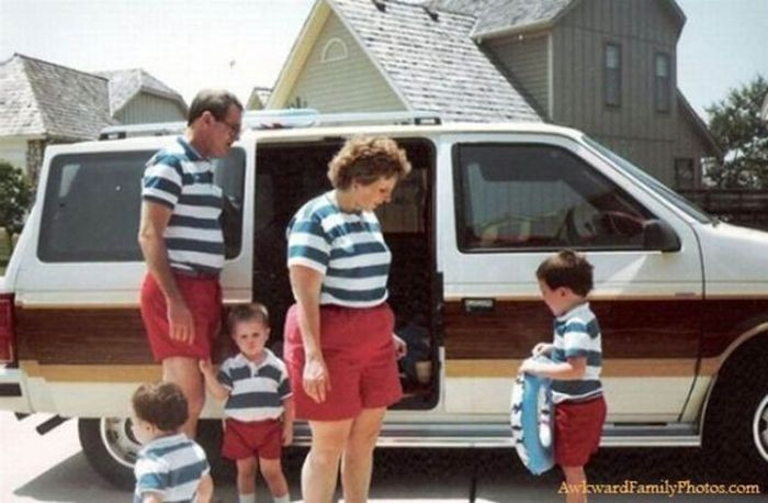 Embarrassing Family Vacation Photos (36 pics)