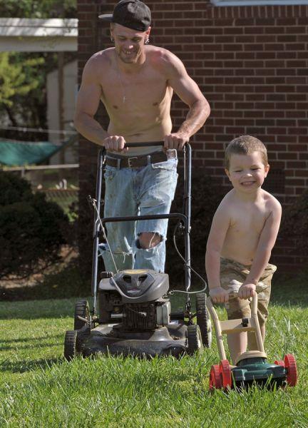 Like Father Like Son (34 pics)