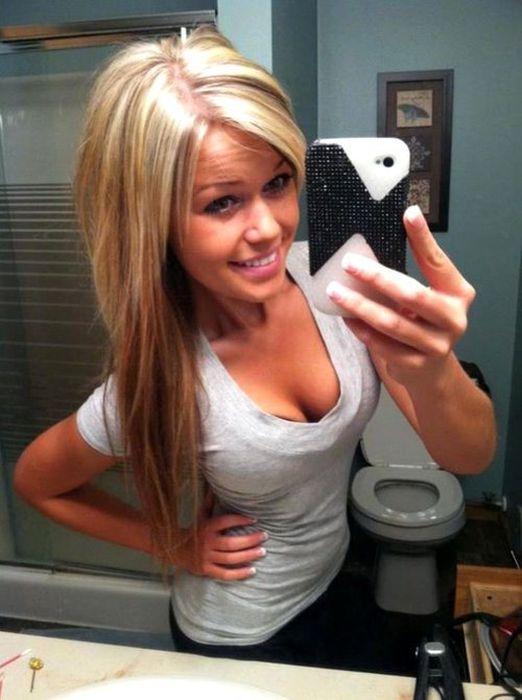 Mirror Selfies (46 pics)