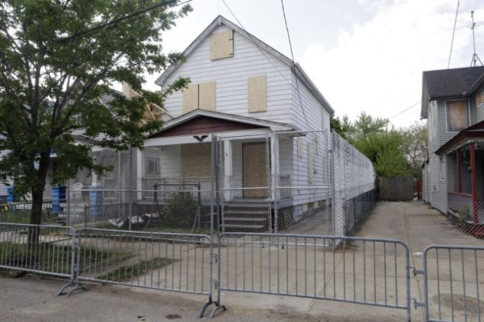 Inside the Ariel Castro House (15 pics)