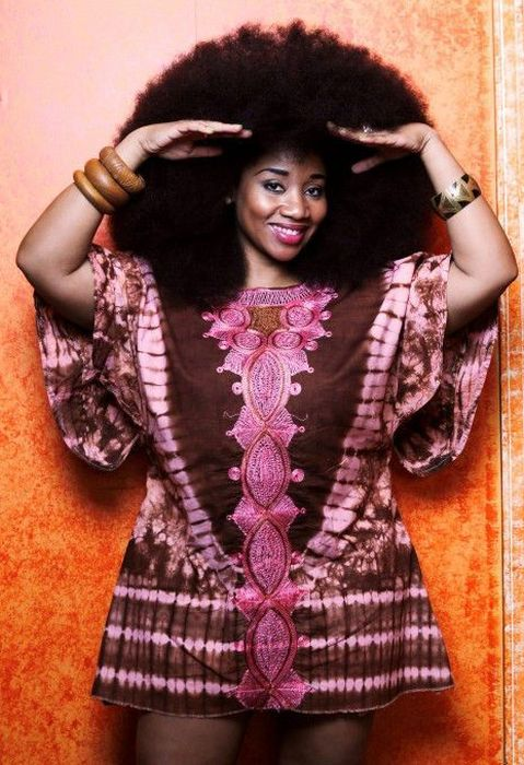 Aevin Dugas. The World's Largest Afro (23 pics)