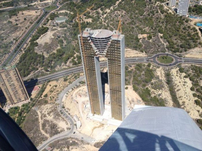In Tempo Skysraper in Spain. What a Fail (25 pics)