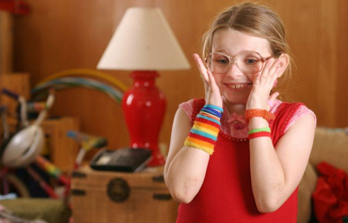 Abigail Breslin, Little Miss Sunshine, Then and Now (6 pics)