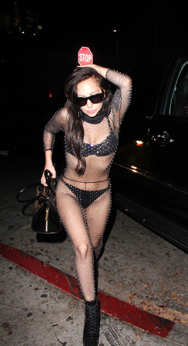 Lady Gaga in G-Strings (3 pics)